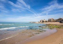 Spiaggia davanti alla casa di Montalbano