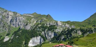 Vista della Malga Pramosio, Alpi Carniche - Ravascletto